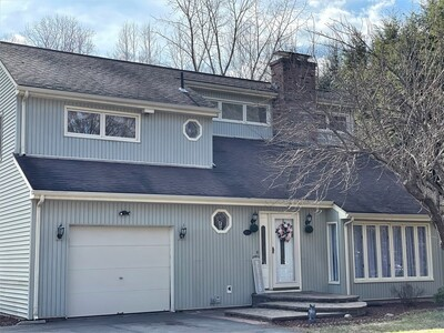 Main Photo: 954 Russell Rd, Westfield, MA 01085