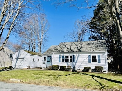 Main Photo: 18 Country Dr, Beverly, MA 01915