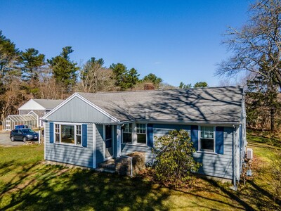 Main Photo: 515 New Bedford Rd, Rochester, MA 02770