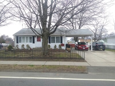 Main Photo: 654 Pendleton Ave, Chicopee, MA 01020