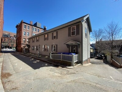 Main Photo: 4-10 Davis Ct, Brookline, MA 02445