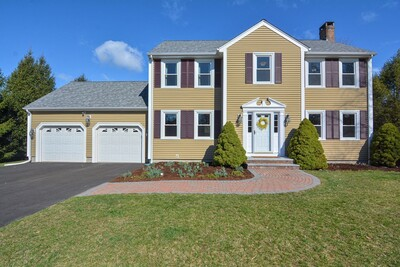 Main Photo: 19 Sandstone Drive, Easton, MA 02375