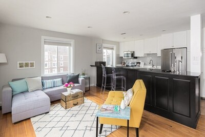 Main Photo: 125 Pleasant St Unit 405, Arlington, MA 02476