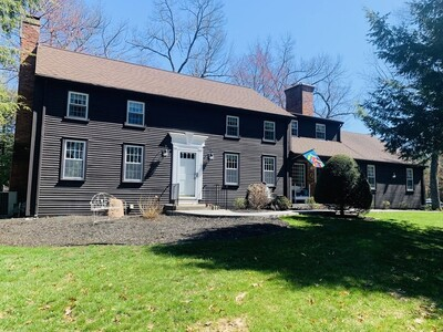 Main Photo: 86 Overlook Dr, Westfield, MA 01085