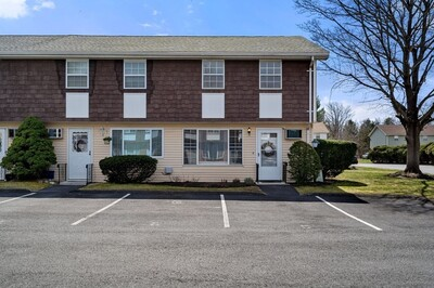 Main Photo: 945 Riverside Dr Unit 22D, Methuen, MA 01844