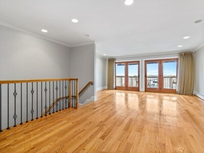 Main Photo: 57 Front St Unit 2, Beverly, MA 01915