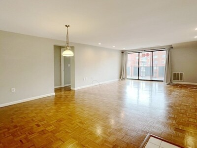22 Ninth Street Unit 608, Medford, MA 02155 - Photo 1