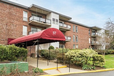 Main Photo: 57 Broadlawn Park Unit 23, Newton, MA 02467