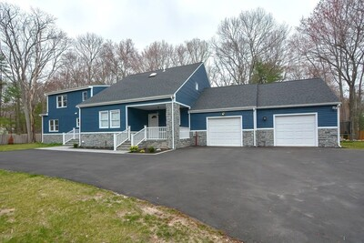 Main Photo: 4 Summer Hill Rd, Medway, MA 02053