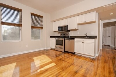 Main Photo: 77 River Unit 8, Haverhill, MA 01832