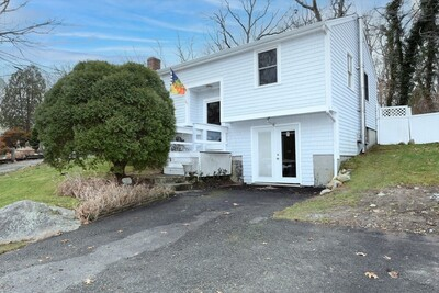 Main Photo: 749 Rocky Hill Rd, Plymouth, MA 02360