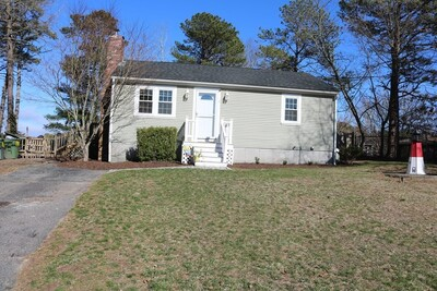 Main Photo: 4 E Wind Drive, Plymouth, MA 02360