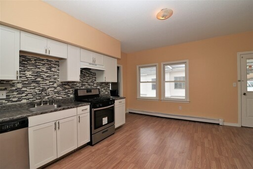 82 Thayer St, Lowell, MA 01851 - Photo 13