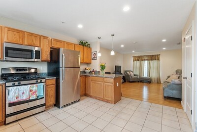 945 Middlesex Unit 5, Lowell, MA 01851 - Photo 1