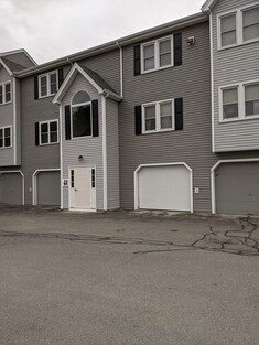 Main Photo: 64 Tennis Plaza Rd Unit 5, Dracut, MA 01826