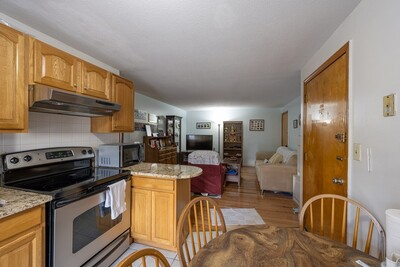 Main Photo: 40 Danbury Dr Unit 7, Methuen, MA 01844