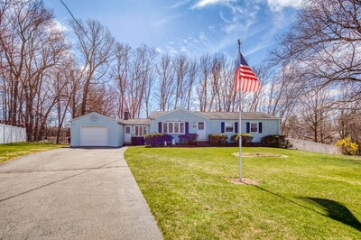 Main Photo: 73 Parenteau Dr, Chicopee, MA 01020