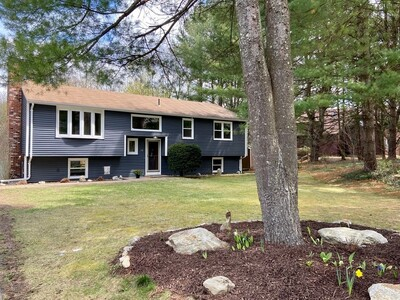 Main Photo: 16 Hitching Post Road, Amherst, MA 01002