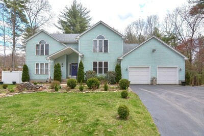 Main Photo: 33 Whispering Pine Dr, West Brookfield, MA 01585