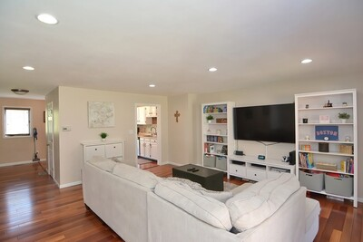 Main Photo: 10 Country Hill Lane Unit 10, Haverhill, MA 01832