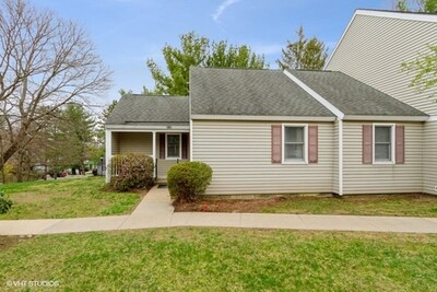 Main Photo: 101 Victoria Heights Rd Unit 101, Hyde Park, MA 02136