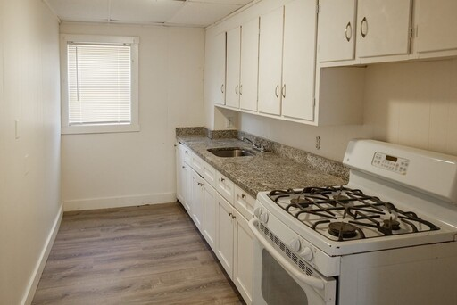 764 Plymouth Ave, Fall River, MA 02721 - Photo 9