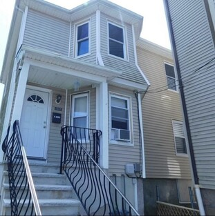Main Photo: 132 Lonsdale St, Fall River, MA 02721