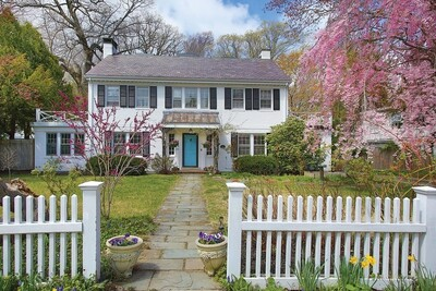 Main Photo: 210 Middlesex Rd, Brookline, MA 02467