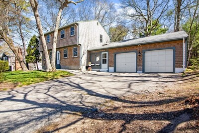 8 Montgomery Dr, Plymouth, MA 02360 - Photo 1