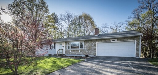 77 Zenith Dr, Worcester, MA 01602 - Main Photo