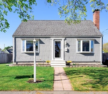 Main Photo: 16 Griffin Rd, Peabody, MA 01960