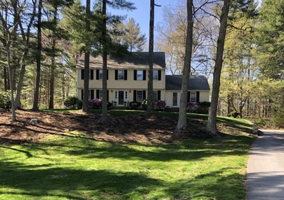 Main Photo: 17 Colonial Rd, Dover, MA 02030