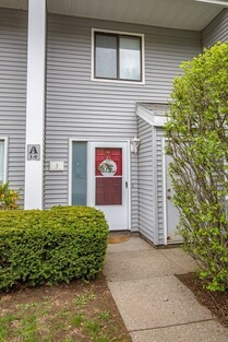 Main Photo: 555 Russell Road Unit A3, Westfield, MA 01085