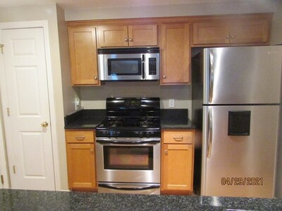215 Longmeadow Rd Unit 103, Taunton, MA 02780 - Photo 1