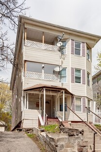 Main Photo: 16 Harlow St, Worcester, MA 01605