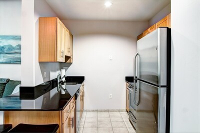 52 Lawrence Dr Unit M213, Lowell, MA 01854 - Photo 1