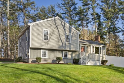 Main Photo: 54 Columbia Cir, Plymouth, MA 02360