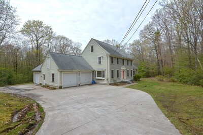 38 Bayberry St, Pepperell, MA 01463 - Photo 1